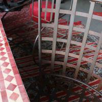 Eisen-Stühle