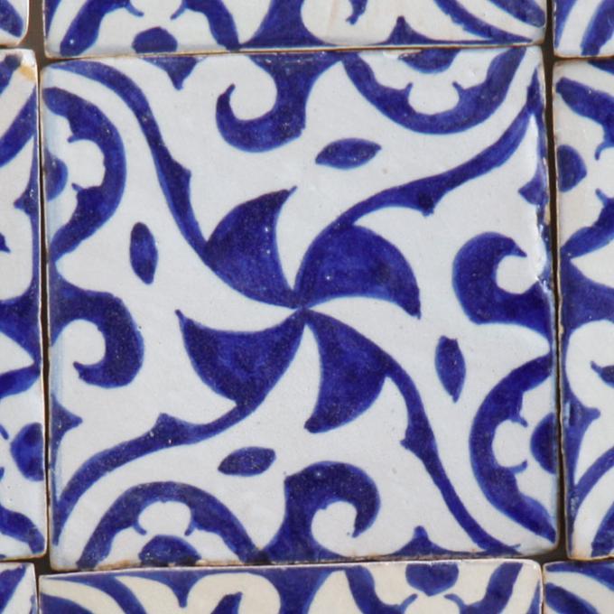 Handbemalte Fliese Hiyam Blau